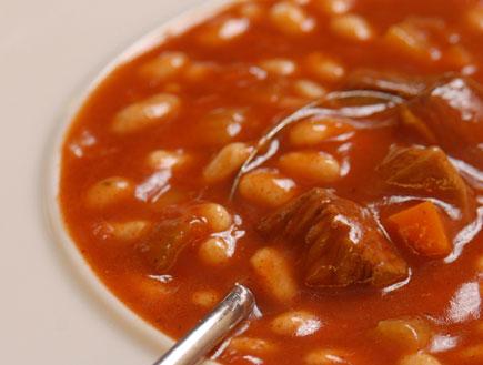 מרק שעועית ובקר (צילום: רוני בלחסן,  יחסי ציבור )