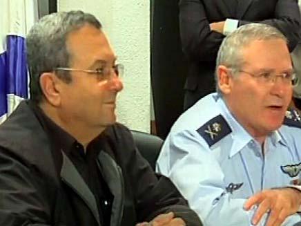 שר הביטחון אהוד ברק והאלוף עמוס ידלין (צילום: חדשות 2)