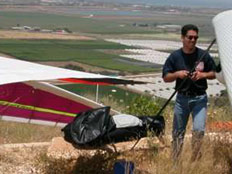 אילן סאלם, צנחן הרחיפה שהנהרג במכתש רמון (צילום: חדשות 2)