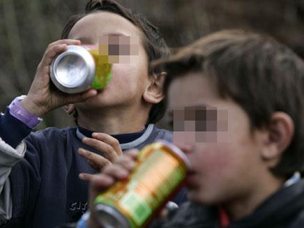 ילדים שגנבו קיבלו תרומה מהשוטרים. אילוסטרציה (צילום: רויטרס)