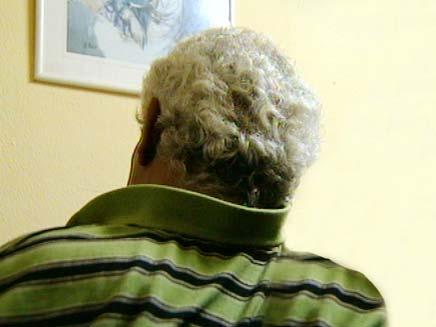 אביו של החשוד באונס (צילום: חדשות 2)