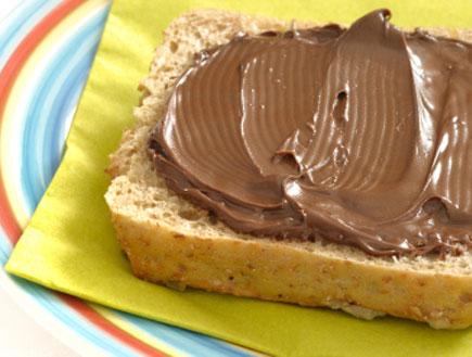 לחם עם שוקולד למריחה
