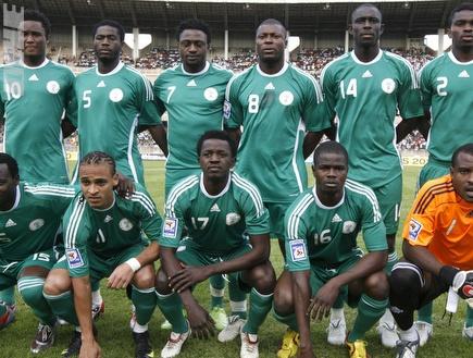שחקני נבחרת ניגריה. אכזבה קשה (רויטרס) (צילום: מערכת ONE)