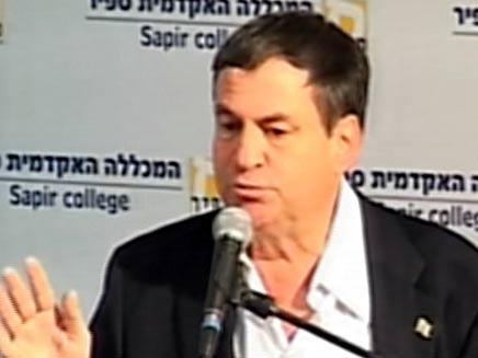 עוזי דיין - כנס שדרות (צילום: חדשות 2)