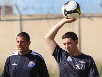 דורה ובן מרגי באימון הקבוצה (עמית מצפה) (צילום: מערכת ONE)