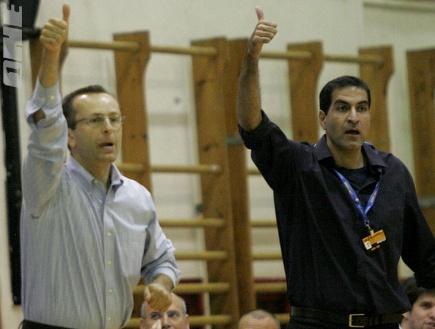 דן שמיר ואורן אהרוני. באשדוד מחכים לשחרור של האחרון (אמיר לוי)