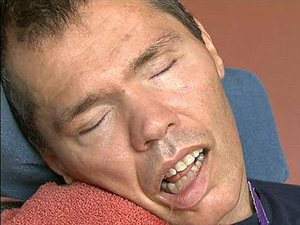 רום הובן - התעורר מתרדמת של 23 שנים (צילום: Sky News)