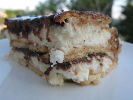 עוגת ביסקוויטים בשכבות (צילום: טל סורסקי, מה יש לאכול)