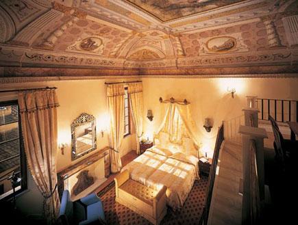 חדר במלון קונטיננטל בסיינה, טוסקנה (צילום: האתר הרשמי)