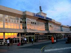 """שדה התעופה הבינ""""ל של קפריסין בלרנקה (צילום: ויקיפדיה)"""