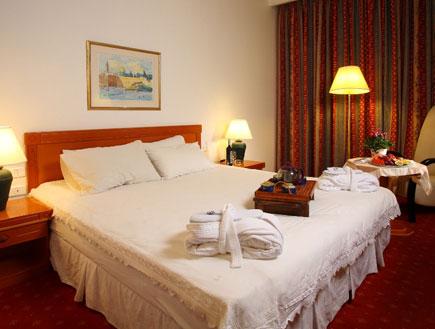 חדר במלון כנען ספא בצפת (צילום: האתר הרשמי)