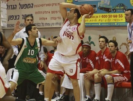 משה מזרחי, תרם את חלקו במשחק הריצה של חיפה (מנהלת הליגה) (ONE)