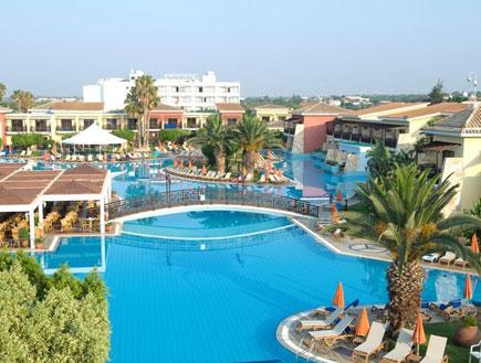 הבריכה במלון aeneas באיה נאפה (צילום: האתר הרשמי)