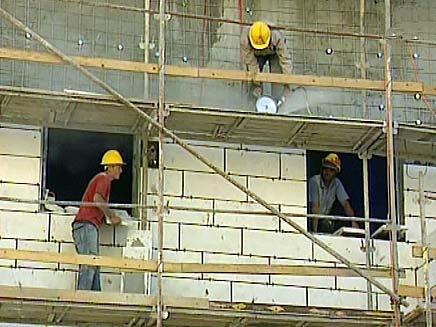 מצב המעסיקים השתפר, של הפועלים פחות (צילום: חדשות 2)