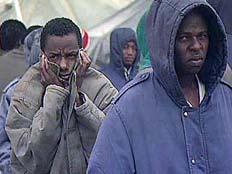 מפרים את זכויות הפליטים. ארכיון (צילום: חדשות 2)