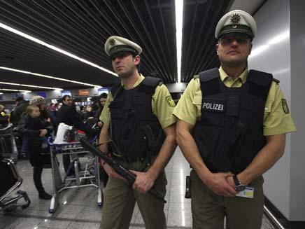 מעצר באיטליה. ארכיון (צילום: רויטרס)
