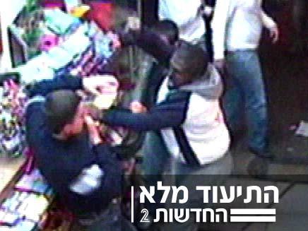 אלימות ללא סיבה, עבריניים תקפו חייל בחופשה (צילום: חדשות 2)
