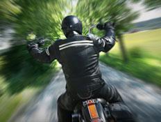 רוכב על אופנוע (צילום: mikdam, Istock)