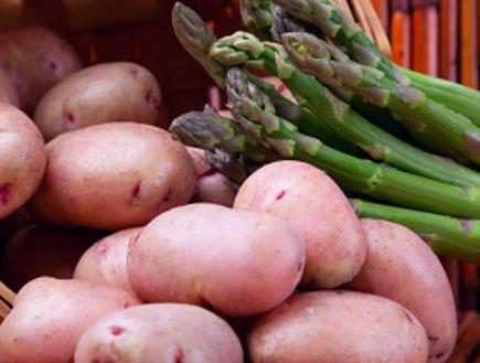 תפוחי אדמה ואספרגוס (צילום: istockphoto)