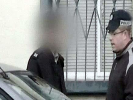 קצין חשוד בגניבת רכב ונסיעה בלוחות מזויפים (צילום: חדשות 2)
