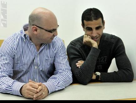 באדיר ולובין בבית המשפט. מכה קשה (אלעד ירקון) (צילום: מערכת ONE)