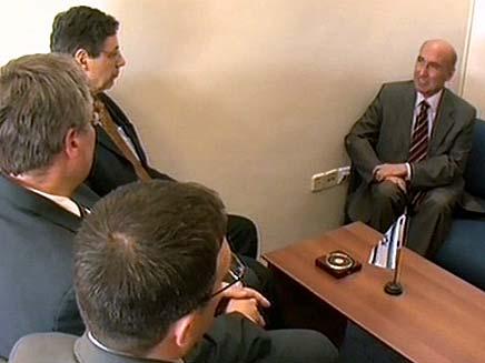 השגריר הטורקי בשיחת הבהרה (צילום: חדשות 2)