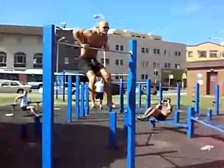 ג'רארד רובינשטיין - שיאן גינס במתח (צילום: YouTube)