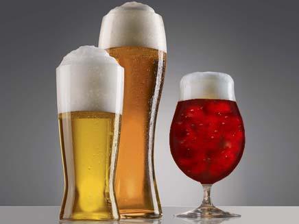 הבירה לא תוזל בקרוב (צילום: AP)