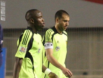 ברוכיאן ותמוז מאוכזבים בסיום המשחק (גיא בן זיו) (צילום: מערכת ONE)
