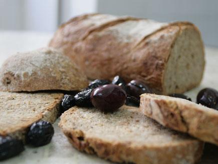 לחם מלא מוכן פרוס (צילום: דובי רביד)