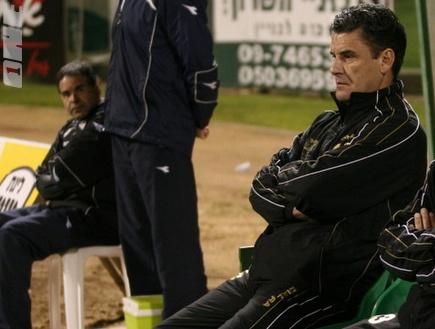 ג´ון גרגורי. שחקני אשדוד מחכים לו (קובי אליהו) (צילום: מערכת ONE)