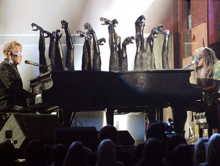 ליידי גאגא, אלטון ג'ון, גראמי 2010 (צילום: Kevin Winter, GettyImages IL)
