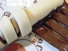 סהרוני שמרים שוקולד - ההכנה (צילום: דליה מאיר, קסמים מתוקים)