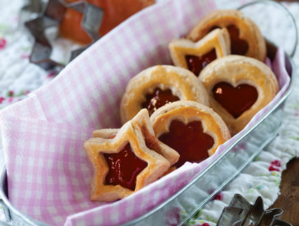 עוגיות לינזר של פייר הרמה (צילום: דן לב, על השולחן)