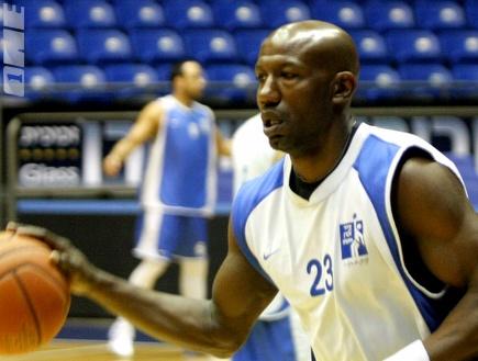 קורי קאר (אמיר לוי)