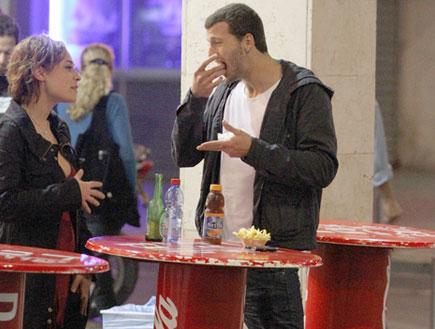 מייקל לואיס ומירה עוואד, פפראצי 2 (צילום: אלעד דיין)