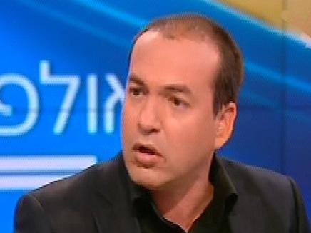 אייל ברקוביץ במארח באולפן שישי (צילום: חדשות 2)