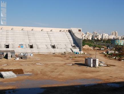 """עבודות הפיתוח באצטדיון החדש בפ""""ת (שי לוי) (צילום: מערכת ONE)"""