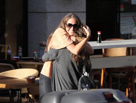איילה רשף בפפראצי עם חתן וכלה (צילום: אלעד דיין)