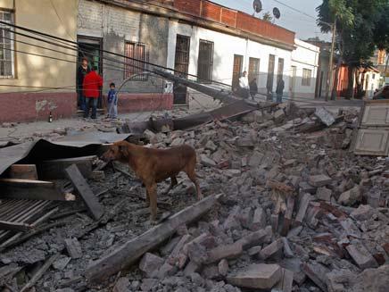 16.8.2007, רעידת אדמה בפרו (צילום: רויטרס)