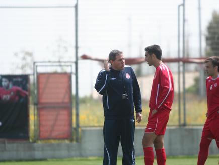 ערן זהבי משוחח עם גוטמן. איחוד במדי הנבחרת (צילום: מערכת ONE)