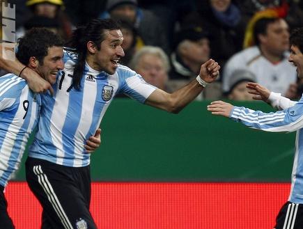מסי חוגג בנבחרת ארגנטינה.  (רויטרס)