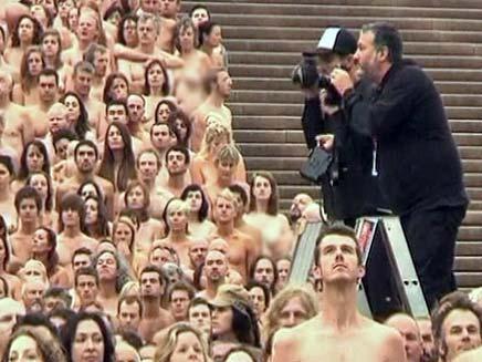 שקט! מצלמים בערום (צילום: חדשות 2)