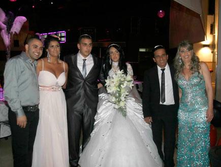 משפחת בובליל חוגגת את חתונת הבן (צילום: אלעד דיין)