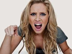 אישה כועסת (צילום: istockphoto)