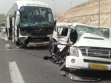האוטובוס התנגש ברכב. ארכיון (צילום: יוסי זילברמן)