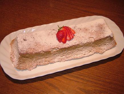 עוגה קלילה לפסח (צילום: מצות אביב)