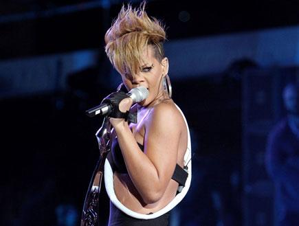 ריהאנה הופעה 2 (צילום: Alexander Tamargo, GettyImages IL)