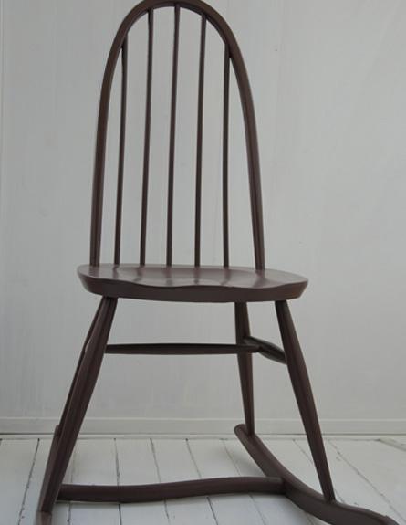 כסא נדנדה חדש - שוק הפשפשים מדור 3 (צילום: דנה ישראלי)