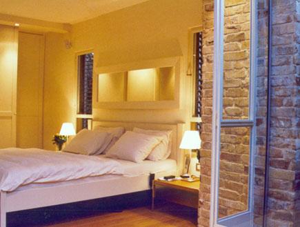 חדר שינה - עיצוב רומנטי (צילום: אמיר גלעדי)